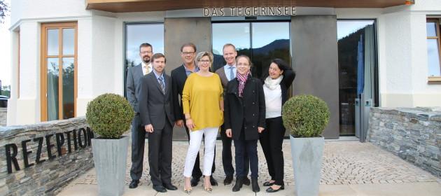 """praxis-upgrade Team vor dem Hotel """"Das Tegernsee"""""""